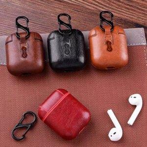 Kunstleren hoesje voor Apple Airpods met karabijnhaak, Donkerbruin